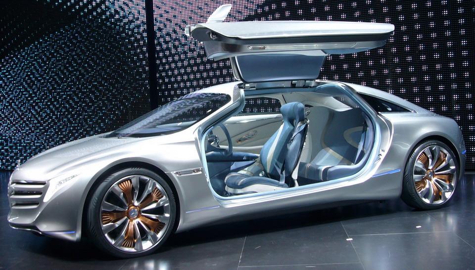 Mercedes Benz-F125!