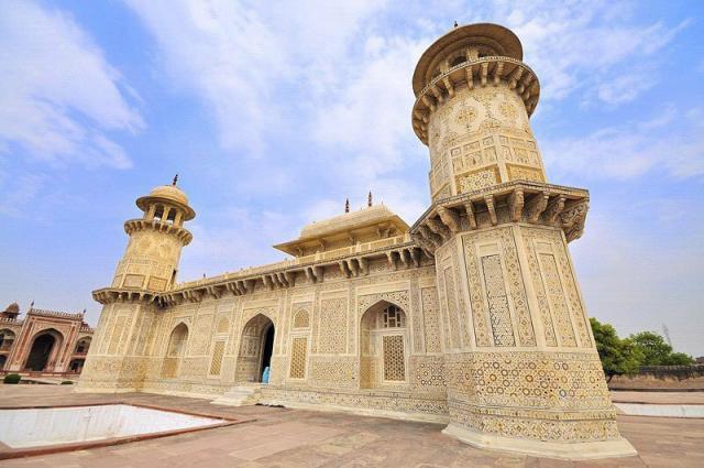 อิตมัด อุด ดุลลาห์ หรือ Baby Taj Mahal