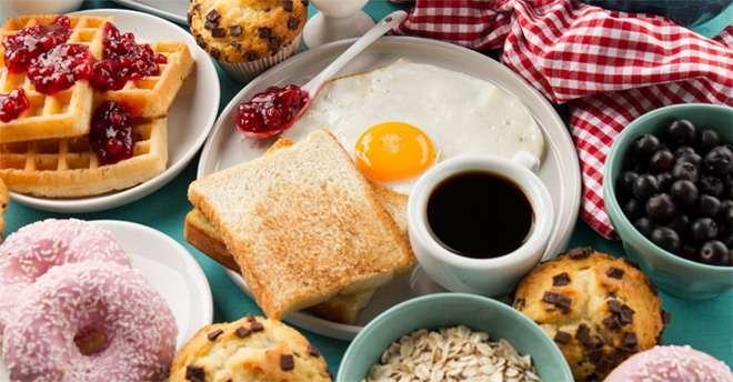 การกินอาหารเช้า